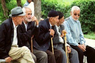 ارائه خدمات بهداشتی و درمانی به سالمندان در هفته سالمند