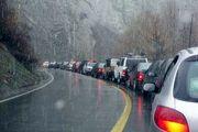 ترافیک پرحجم در محور هراز /بارش برف در محور فیروزکوه