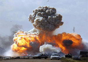 کشته شدن ۳ نظامی پاکستانی بر اثر انفجار بمب
