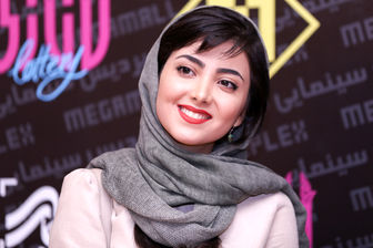 چهره شاد خانم بازیگر در روزهای آخر دانشگاه/ عکس