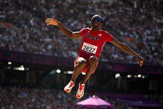 قهرمان پرش نابینا در مسابقات پارالمپیک / عکس