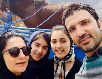 رونمایی محمدرضا فروتن از همسر و فرزندش /عکس