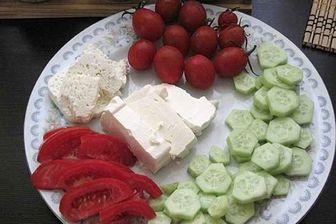 خوردن پنیر با گوجه و خیار عمر را کوتاه میکند؟