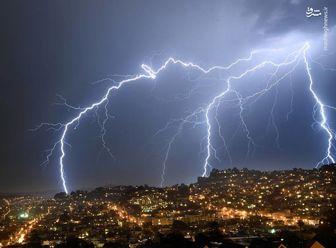 در رعد و برق و توفان چگونه زنده بمانیم؟/ اینفوگرافی