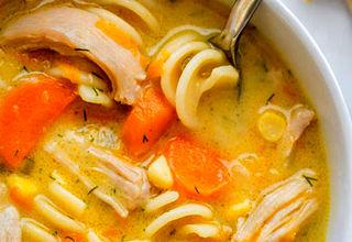 سوپ جوجه و نودل خامهای + طرز تهیه