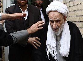 ماجرای ترک دیوار خانه آیت الله بهجت و جملهای که عالم معروف را به گریه انداخت