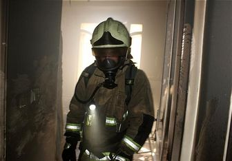 مهار آتشسوزی در ساختمان ۸ طبقه اداری