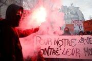 حضور صدها هزار نفری مردم فرانسه در خیابان علیه سیاستهای ماکرون