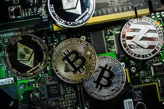 بیتکوین به زیر ۵۰۰۰ دلار سقوط کرد