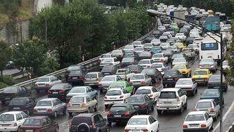 ترافیک تهران در معابر اصلی سنگین است