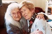 زن ایرلندی پس از ۶۱ سال جستجو، مادرش را پیدا کرد