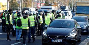 مجروح شدن بیش از ۴۰۰ نفر در اعتراضات فرانسه