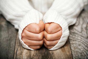علت سردی همیشگی دستهایم چیست؟