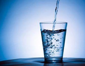 نوشیدن آب ولرم در صبح چه فوایدی دارد؟