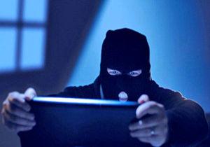 هک شدن ایمیلهای مقامات انگلیس توسط داعش/ داعش جسد 6 عراقی را پس از اعدام، آویزان کرد