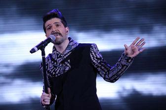 دیدار خواننده جنجالی با هوادارانش