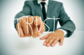 چگونه اعتماد مدیر خود را جلب کنیم؟