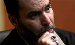 مردی پرخاطره برای « مسعود دهنمکی»/عکس