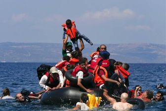 واژگونی قایق مهاجران در آبهای یونان