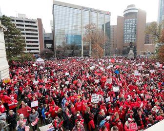 معلمان ایالت ایندیانا آمریکا به اعتصاب پیوستند