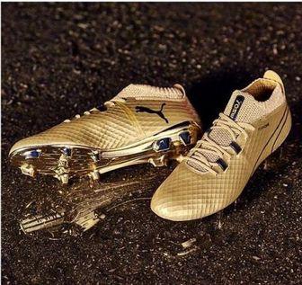 کار دشوار لیونل مسی و رونالدو برای جایزه کفش طلا