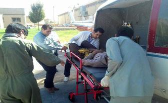 مجروح شدن جوان لرستانی بر اثر حمله خرس+ تصاویر