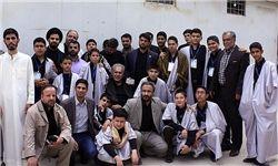 هدیه زائر عراقی به قاری نوجوان ایرانی+تصاویر
