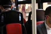 صحبت کردن در اتوبوس ممنوع!