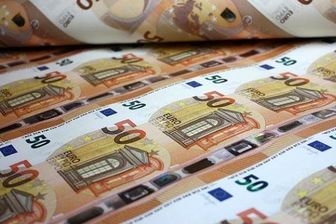 توزیع اسکناس های جدید ۵۰ یورویی