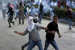 ده ها فلسطینی دچار خفگی شدند