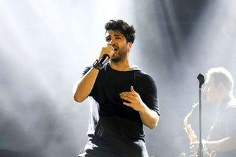 خواننده مشهور خودش هم نمیداند کجاست؟! /عکس