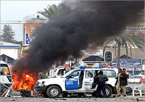 انفجار مینیبوس بمبگذاریشده در بغداد