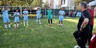 تمرین تیم ملی فوتبال ایران در هوای بارانی