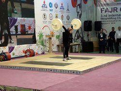 دختر ۸ ساله اردبیلی در مسابقههای مردان وزنه زد +عکس