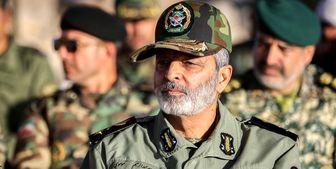 سرلشکر موسوی:  دنبال جنگ نیست اما دفاع را خوب آموخته است