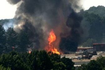 وقوع آتشسوزی مهیب در یک کارخانه آمریکایی