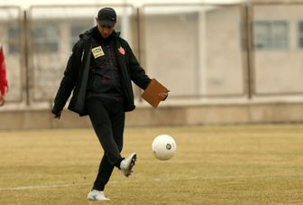گل محمدی: تا جام را بالای سرمان نبرده ایم باید تلاش و تمرکز کنیم