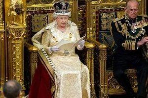 تمام اختیارات عجیب ملکه انگلیس