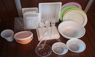 در استفاده از ظروف پلاستیکی و یکبار مصرف احتیاط کنید