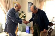 حضور رئیس صداوسیما در منزل علی نصیریان برای عرض تسلیت