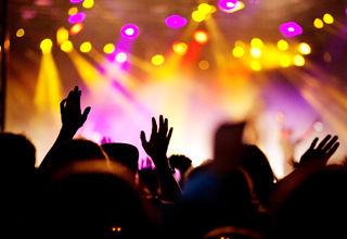 برنامه کنسرت خواننده های مشهور ایرانی در آذرماه