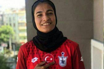 لژیونر زن فوتبال ایران درکنار اسکوچیچ+عکس