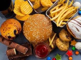 چه عواملی غیر از گرسنگی ما را ترغیب به خوردن خوراکیها میکنند؟