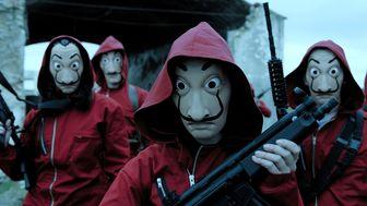 تصاویری دیدنی از دوبله سریال پرطرفدار «سرقت پول»/ فیلم