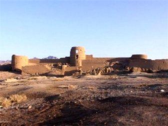 قلعه تاریخی آران و بیدگل در سراشیبی نابودی است