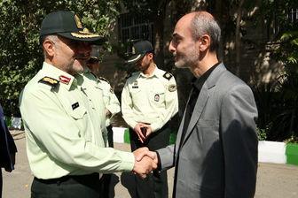 بازدید سردار رحیمی از پشت صحنه یک برنامه تلویزیونی