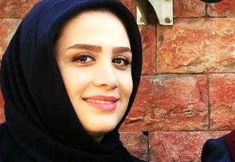 عکس بهاری خانم مجری وسط روزهای پاییزی/ عکس