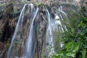 آبشاری زیبا در خرم آباد/ عکس