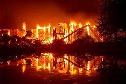 تعداد کشته های آتش سوزی در کالیفرنیا به ۲۵ نفر رسید