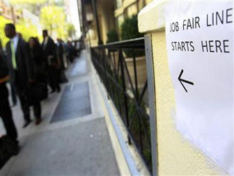 Payroll growth seen tepid, may force Feds hand